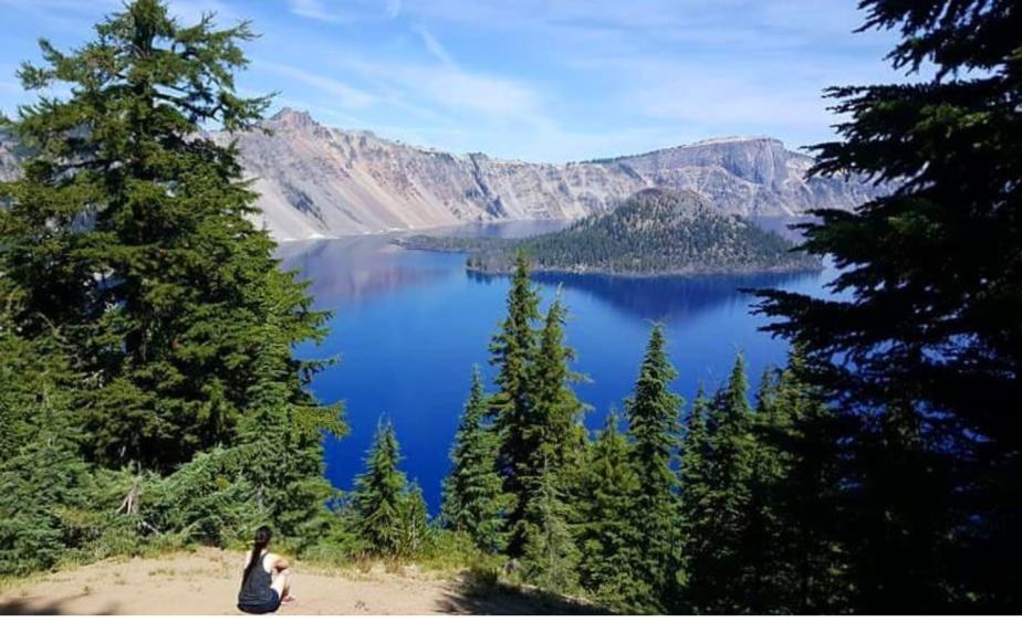 Trekking Crater Lake,Oregon