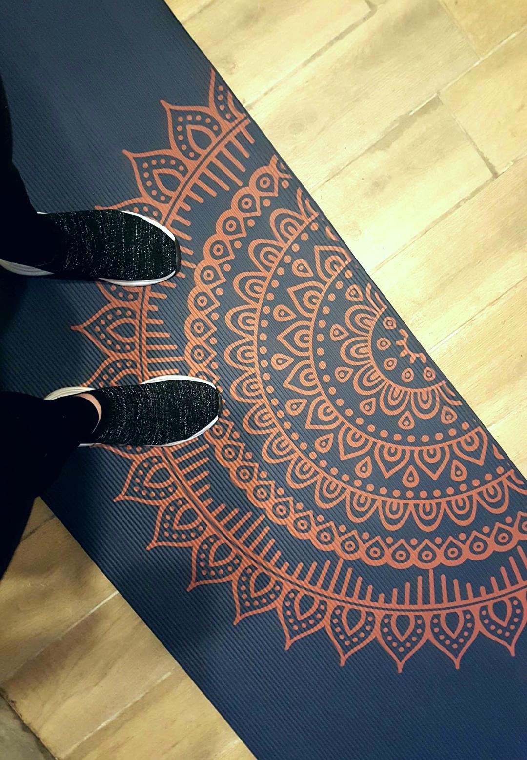 Boho chic travel, gym mat and having fun with yoga
